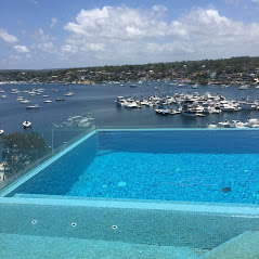 Infinity pool with view to Gunnamatta Bay